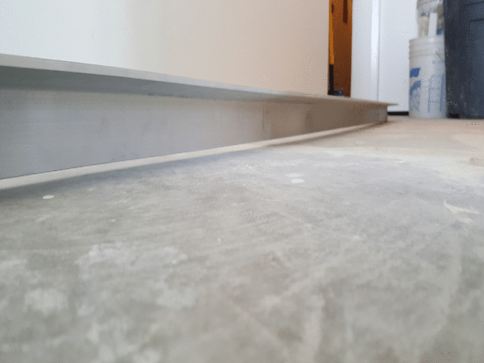how to level uneven floors - Self leveling compound latex